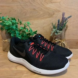 NEW Nike Lunar Apparent Running Shoes